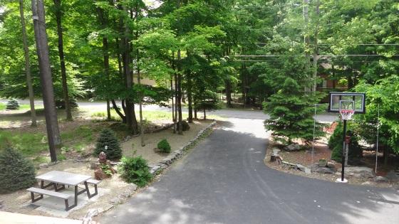 frontyard.patio.left